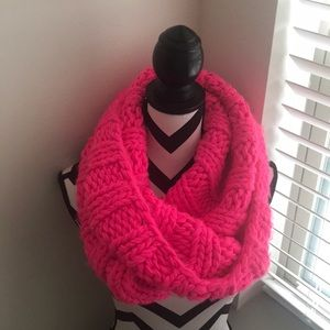 NWOT! Pink Chunky Knit Scarf